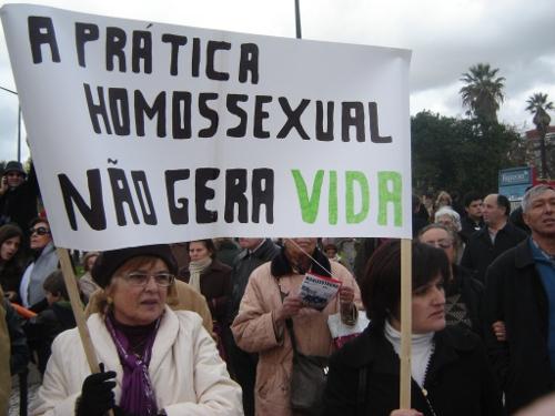 faixa-contra-homossexuais-vitor-sorano